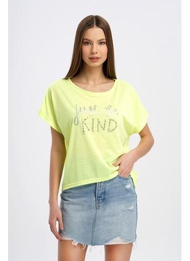 Nismia Taşlı Parlak Baskılı Yarasa Tshirt Sarı